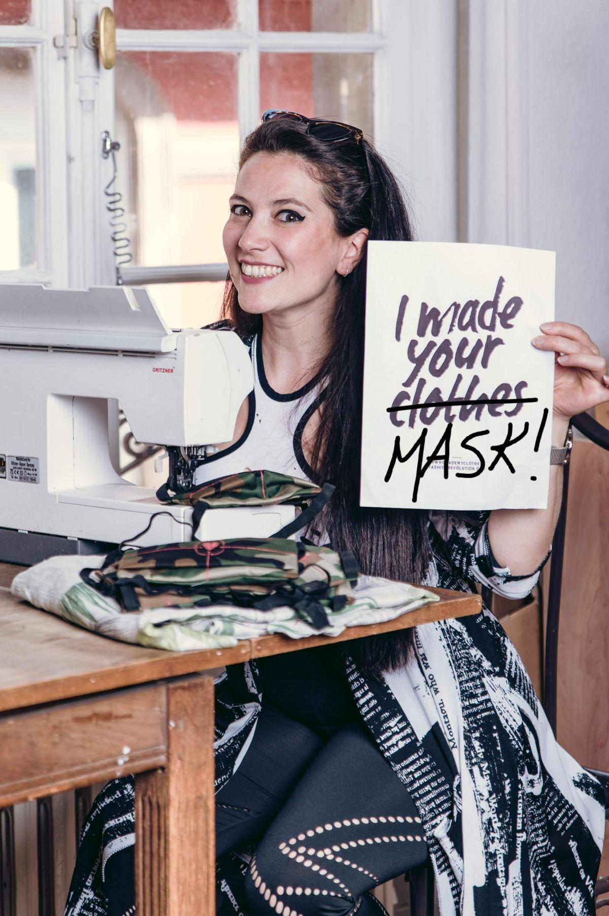Masque visage tissu créatrice de mode