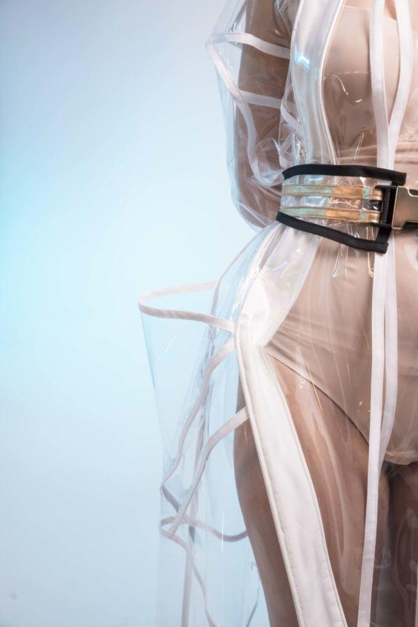 Trench coat en PVC Pluie d'été by Adeline Ziliox